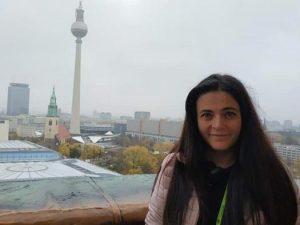 Учителка в Германия. Учителка в България.