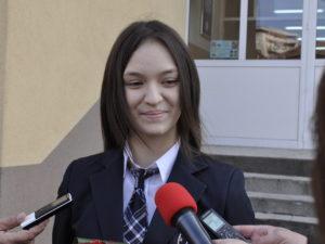 Посланик Херо Мустафа възхитена от хасковска ученичка