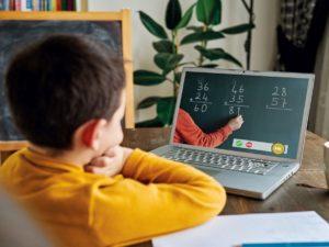 Училищата ще могат да преминават към обучение в електронна среда от разстояние след разрешение от МОН